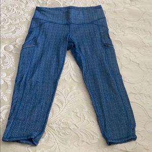 Blue marled Athleta crop leggings w/ zip pockets